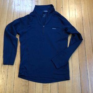 Patagonia navy size small 1/4 zip great condition